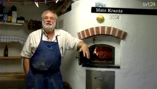 Mats Krantz har byggt en bakugn i sin villa